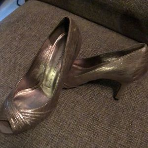 Adrianna Papell Pumps
